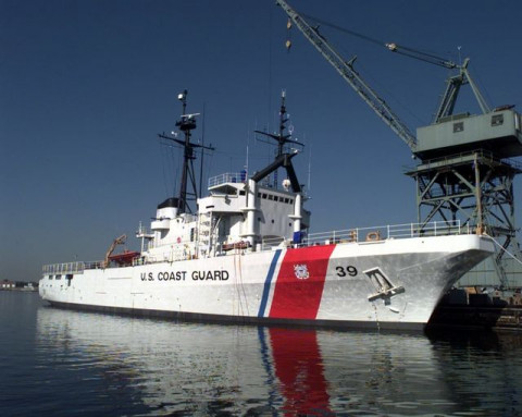 Фото US Coast Guarg District 5